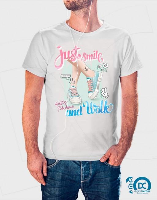 Camiseta Just smile and walk
